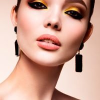 corso-Beauty-Contouring-Make-Up-395909113